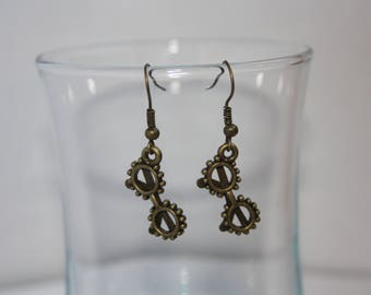 Bronze fancy bezel earrings
