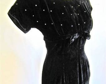 S 50s Wiggle Cocktail Dress Black Velvet Shelf Bust Rhinestones Sparkle Bow Sexy LBD Extra Small