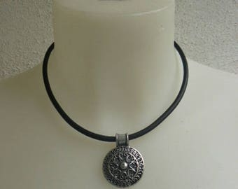 Silver Celtic pendant necklace