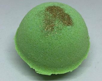 Peppermint Crisp Bath Bomb