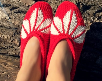 Women Slippers, Red Knit Slippers, House Shoes Slippers, Knitted Indoor Slipper, Slipper Boots, Hand knitted slippers, Valentines day gift