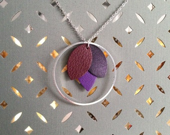 Ring and leather Flower necklace