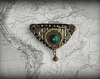 Malachite brooch!