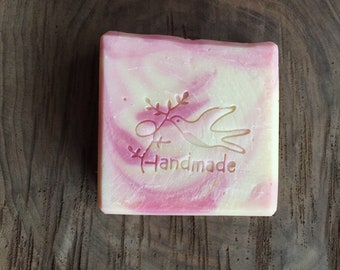 Gift set Avocado Oil Goats milk strawberry soap bar bath bomb fizzie Epsom salt gift set small batch made with care