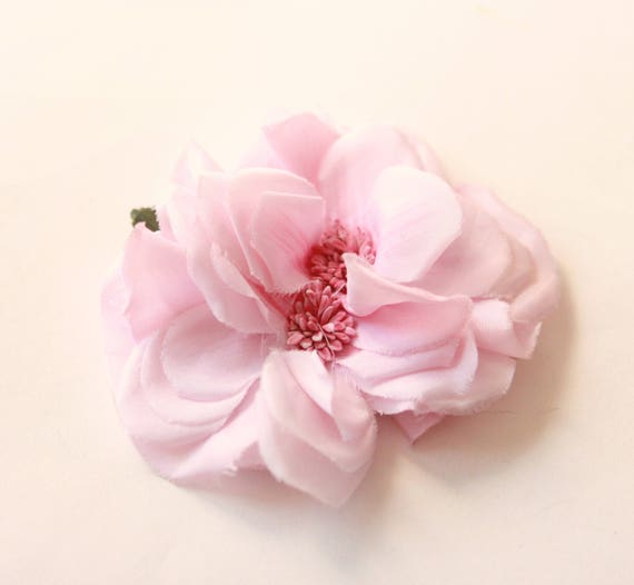 Soft and shabby pink rose clip