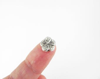 20 Flower Spacer Beads - Antiqued Silver - 10mm - double sided
