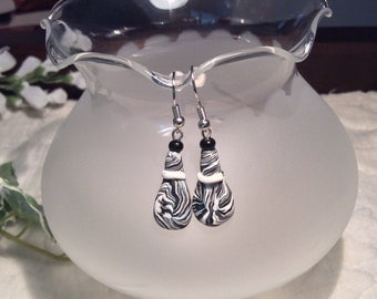 Black& White-  Polymer clay earrings
