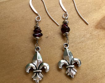 Garnet Fleur de lis Earrings, Garnet Earrings, Fleur de lis Earrings, Garnet Jewelry, January Birthstone, January Gift,