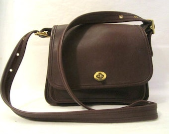 COACH Messenger Bag style Handbag Cross Body in BrownLeather