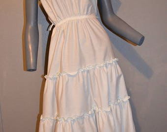 1980s Shelly Michaels shoulder white Sun Dress. Halter style pastel blue eyelet tiered skirt. A line. Mexican 1950s style. SM Bust 36