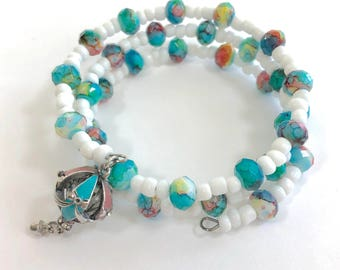 Hot air balloon bracelet. Teal and pink colored jewelry. Fashion girl. Kids jewelry. Gifts for girls. Birthday party. Beaded kids bracelet.
