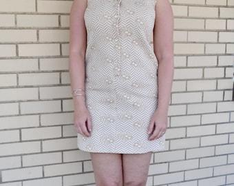 1970s floral chevron print dress, extra small vintage shift dress, 70s clothing XS