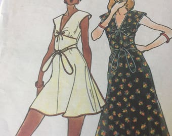 Vintage 1970s Butterick  3520 Sewing Pattern- Disco Wrap Dress- Designed By Betsey Johnson of Alley Cat - Size 8 Extra Small Bust 31.5