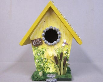Mini Birdhouse with Frog and Cattails
