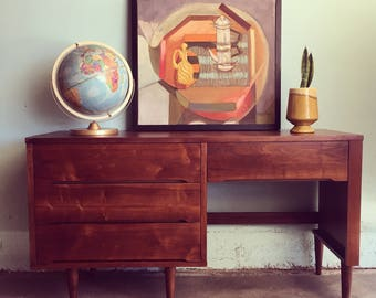 MID CENTURY MODERN 4 Drawer Desk (Los Angeles)