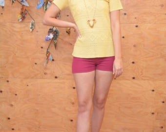 vintage 70's knit short sleeve polo blouse crochet woven diamond pattern s small butter yellow