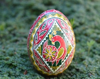 Pysanka Ukrainian Easter egg hand painted in moss green red and yellow colors inspiration from my garden Christmas 2017 gift idea Rooster