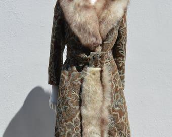 Vintage 70's long tapestry baroque floral overcoat fox fur trim glam carpet tailored  coat fur collar size Medium