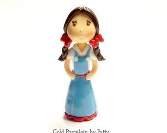 Dorothy Cake Topper, Cold Porcelain Clay Dorothy Figurine, Wizard of Oz Birthday Cake Topper, Dorothy Ornament, Keepsake, Decoration, Gift