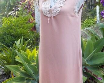 pink crepe mod shift  dress -  s / m