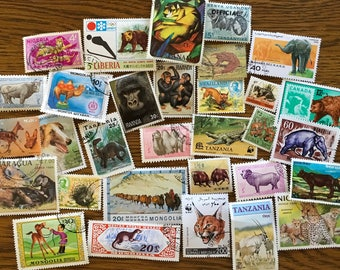 30 Animal Used World Postage Stamps for crafting, collage, cards, altered art, scrapbooks, decoupage, history, collecting, philately 12e