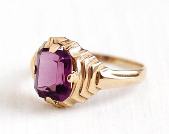 Sale - Vintage 10k Rosy Yellow Gold Simulated Amethyst Ring -  Retro 1950s Size 5 1/2 Emerald Cut Purple Glass Stone Esemco Fine Jewelry