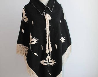 1970s Mexican Embroidered Poncho // One Size