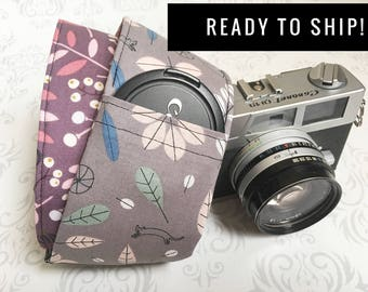 READY TO SHIP - Camera Strap, Padded, Lens Cap Pocket, Nikon, Canon, dslr Photography, Photographer Gift, Christmas - Bikes and Plum Leaves