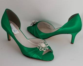 Emerald Green Bridal Shoes Emerald Green Wedding Shoes with Crystal and Pearl Flower Brooch or PICK FROM 100 COLORS Bridesmaid Shoes