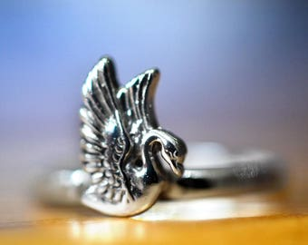Silver Swan Ring, Custom Engraved Bird Ring, Personalized Sterling Silver Animal Charm Jewelry, Birthday Gift, Engravable Bird Jewelry