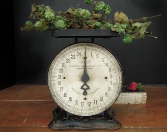Antique / Vintage Black Kitchenette Family Scale / Rustic Scale / 25 lb Scale / Farmhouse Decor