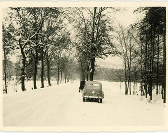 "Vintage Snapshot ""Driving Down Christmas Lane"" Photo Vernacular Winter Snow Weather Car Automobile Holiday Seasons Greeting Photograph - 41"