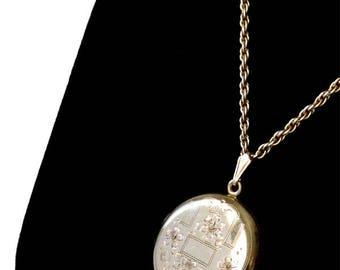 Beautiful Antique Locket Pendant Necklace