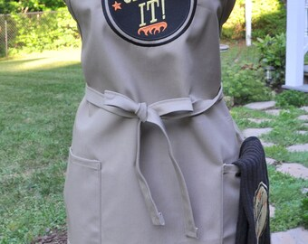 Fathers Day Grill Barbecue Apron for Dad or Mom