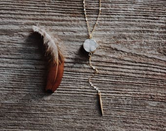 pale sparkle. a white gold-dipped druzy gemstone and drop spike Y necklace