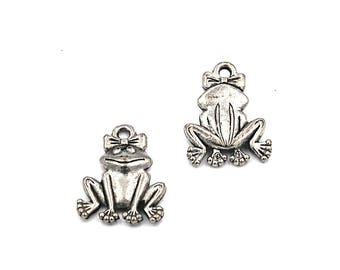 Frog Charm Silver Pewter Charm -1