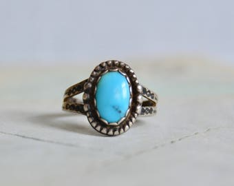 Vintage Southwestern Turquoise and Sterling Ring - Size 6 3/4