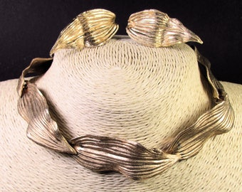 Goldtone Frederick Mosell Textured Leaf Choker with Clip Earrings Demi Parure, Beautiful Retro!