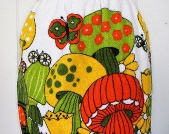 Vintage Mushroom Apron - Terrycloth - Vibrant - Colorful - Kitchen Apron
