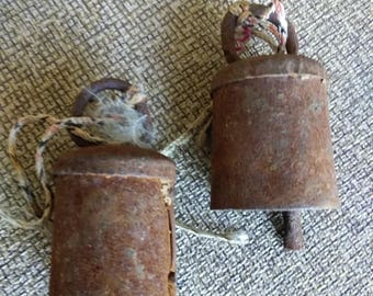 2 Vintage metal animal bells / Primitive Decor / Industrial / Rust / found object / assemblage supplies / altered art / old tools