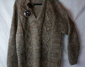 Vintage rustic natural wool jumper / hand spun and hand knitted / mid brown with greyish tones retro 70s warm woollen sweater hippie classic
