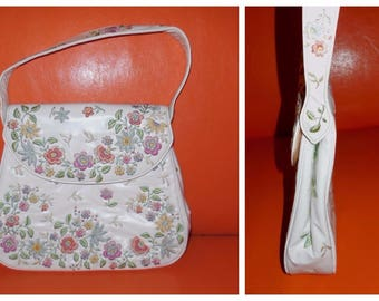 Vintage 1960s Purse White Embroidered Vinyl Multicolor Floral Embroidery Rockabilly Mod Boho Unique