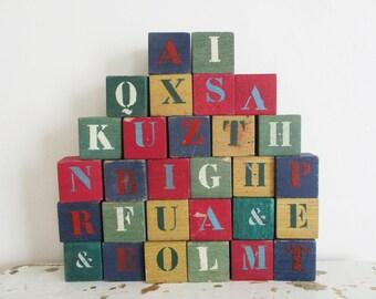 29 vintage wooden french blocks, 1930s 1950s, Toy letter, Handmade, Cubes en bois, Antique, Building, Jeu lettres pochoir
