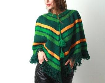 Vintage Green Poncho / Knitted Poncho / Poncho With Tassels / Striped Poncho / Boho Poncho / Knit Poncho / Hippie poncho / 90s Poncho