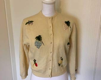 Adorable Neiman Marcus embroidered cardigan - novelty fruit 50s