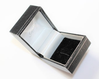RT Black Leather Look Ring Box, Paper Covered Black White Lined Ring Box