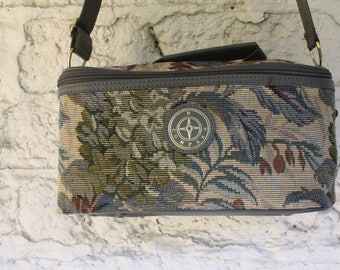 Tapestry Train Case / Victorian Floral Train Case / Vintage 80s Luggage / Tapestry Overnight Bag / Vintage 1980s Tapestry Luggage