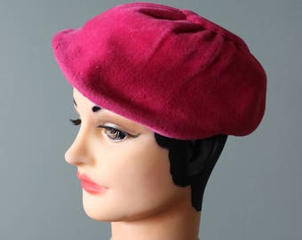 FREE Shipping vintage 20's Pink Wool Pillbox Hat cloche Sonni circa 1950's