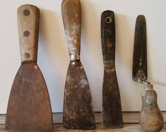 4 ANTIQUE WOOD HANDLED Trowels Vintage Tools