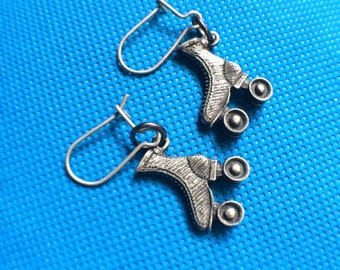 Roller Skate Earrings in Silver Rollergirl Jewelry Derby Gift Set Rollerskates Jam Accessory